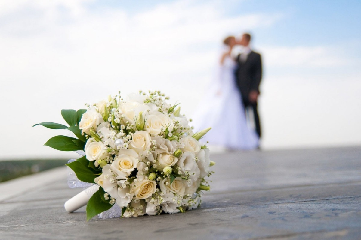 518675-beautiful-wedding-bouquet