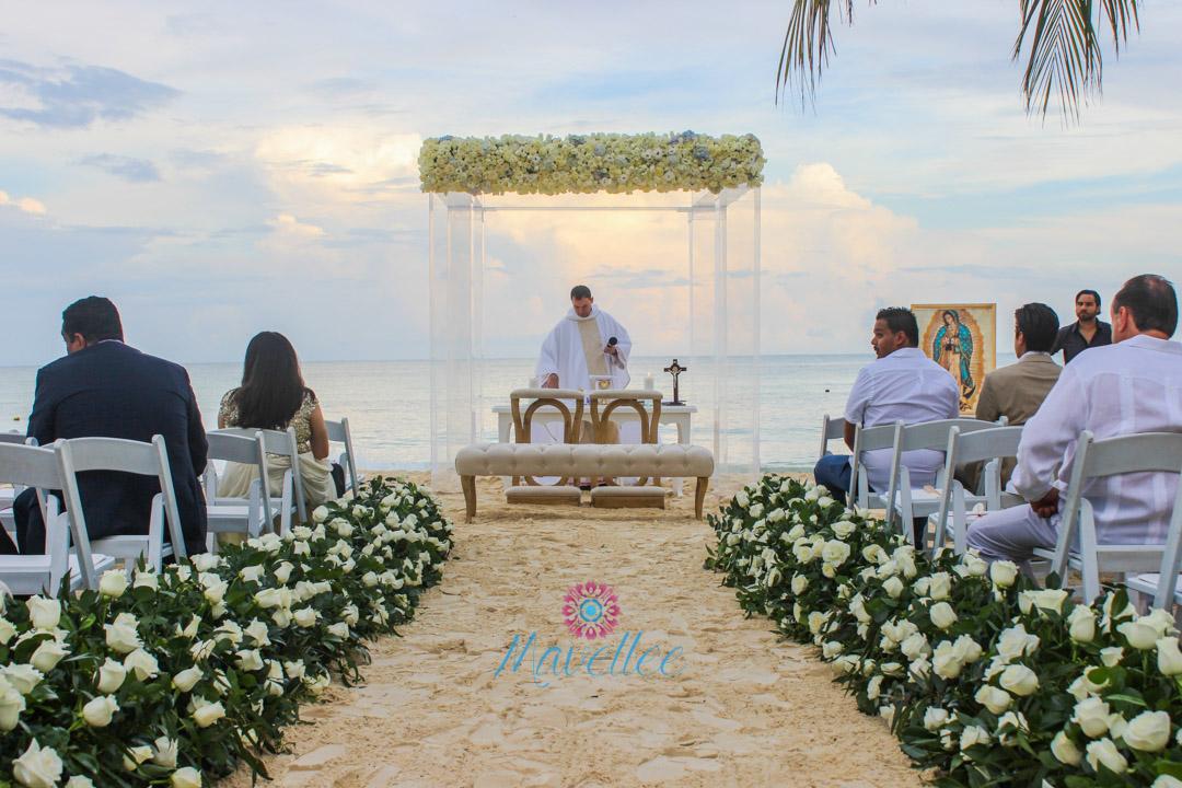 Gazebo-con-flores-para-bodas-9