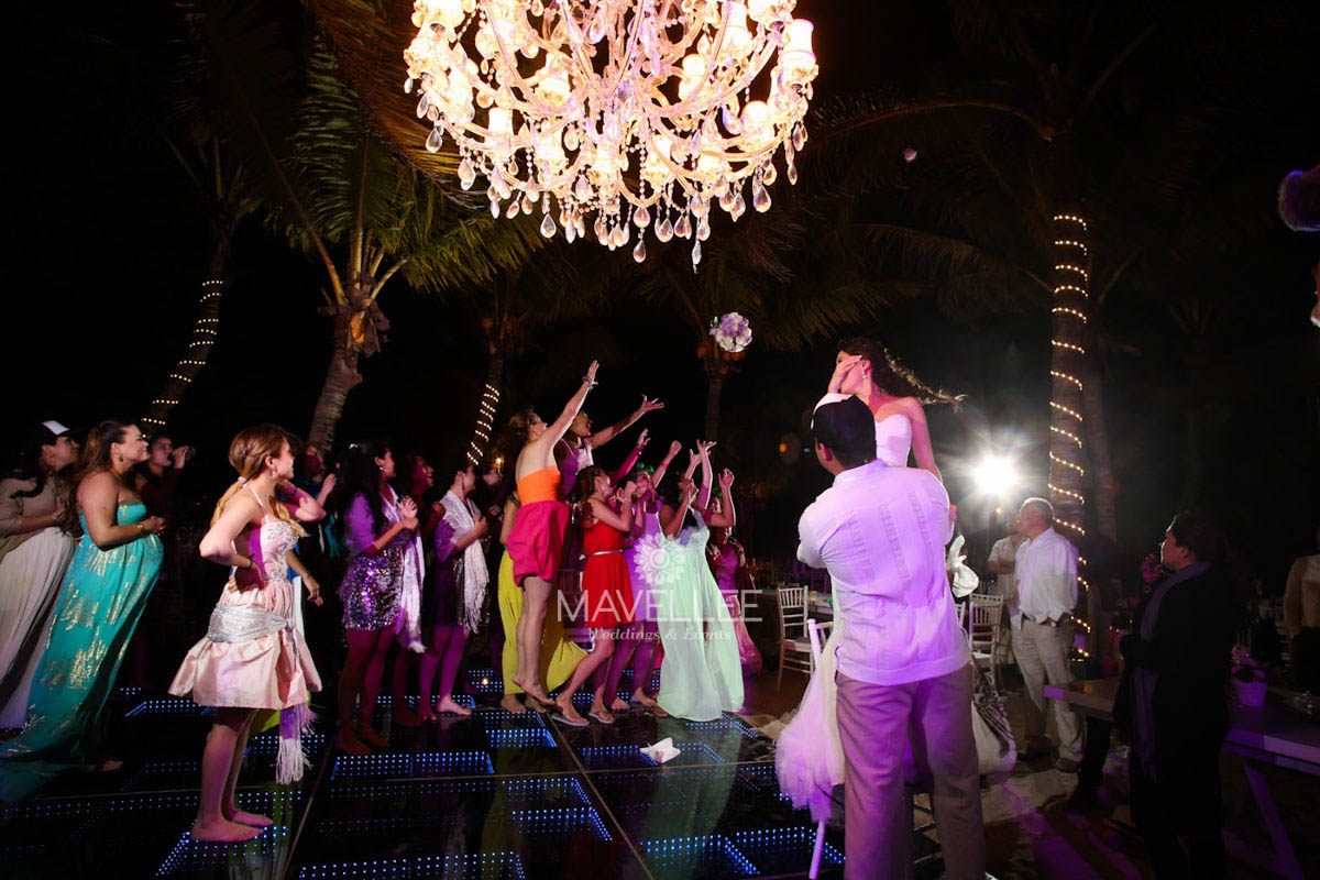 Wedding cancun-Planners - Beautiful Chandelier _-94