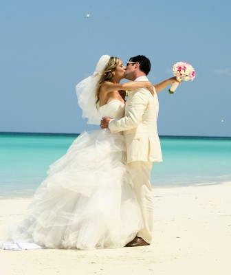 adriana-and-jon-beach-wedding-in-riviera-maya