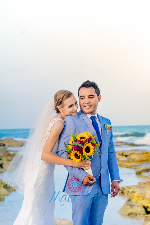 Bouquets-cancun-riviera-wedding-beach-33