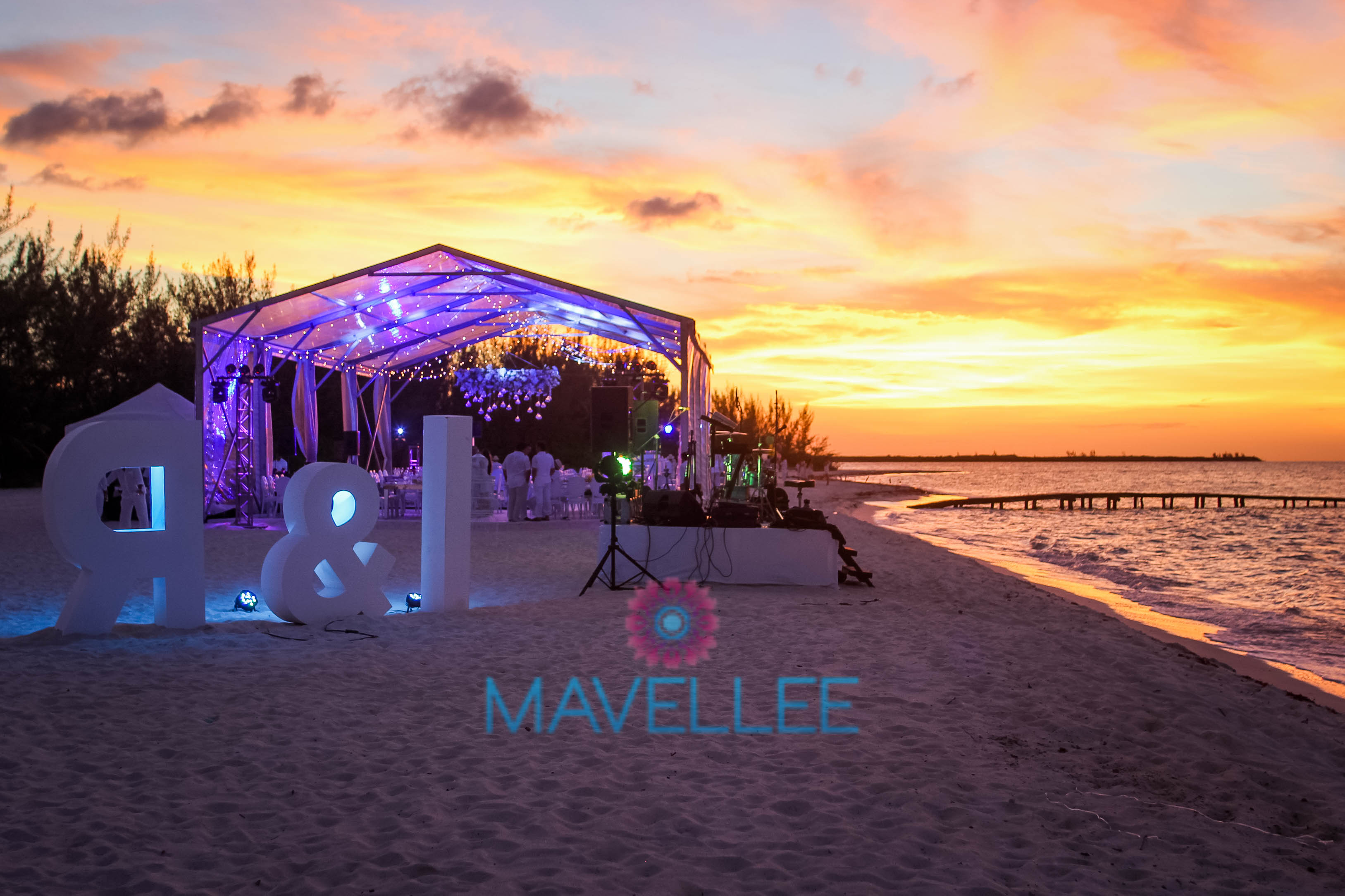 Ivette-y-Rafael-Cancun-Beach-Wedding-143