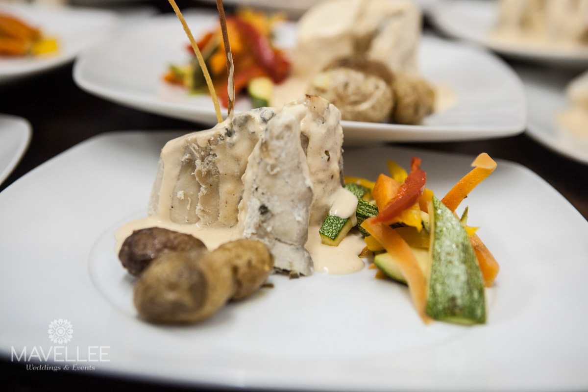 wedding-plate-cancun-caterers