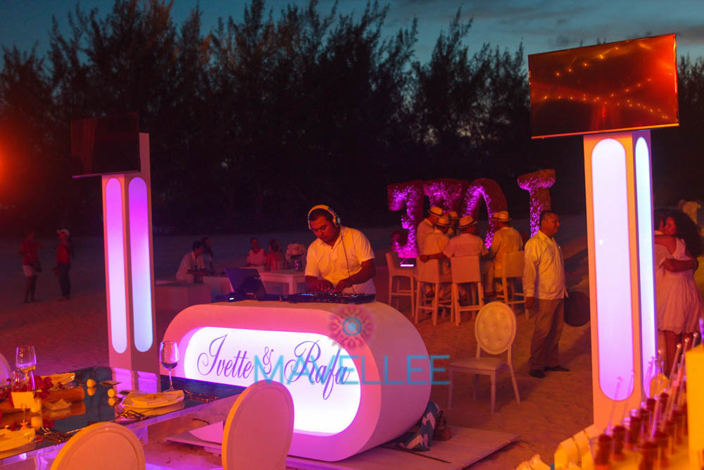 Lighting-Audio-DJ-Cancun-Weddings-13