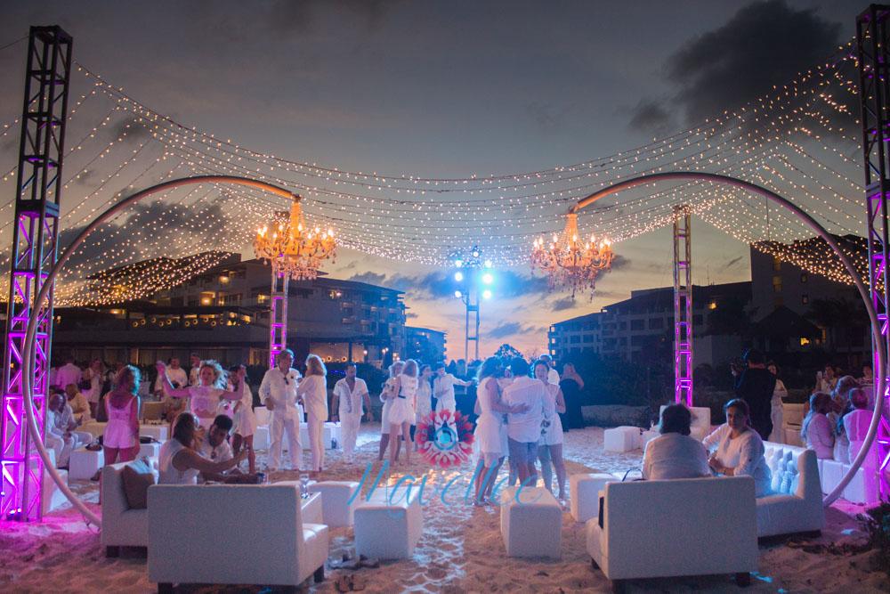 String-lights-location-cancun-riviera-2