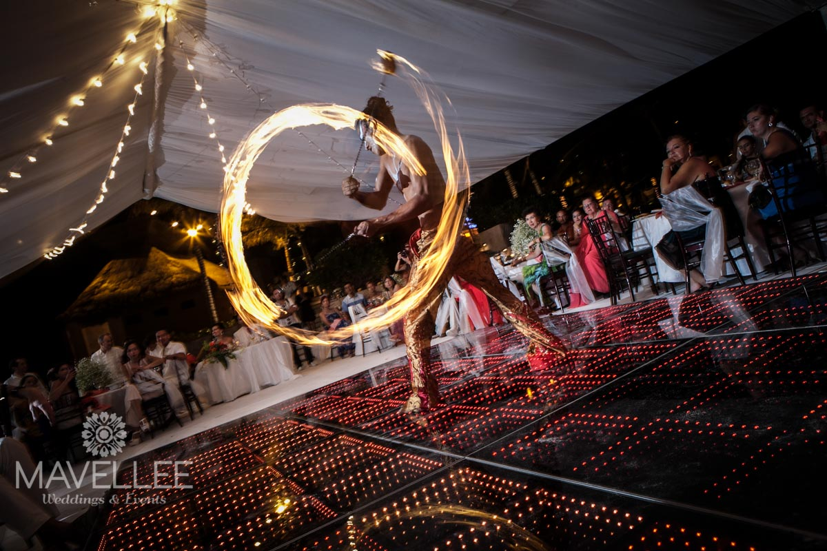 Wedding cancun-Planners-fire shows for events-fire shows company-men and women on fire-35
